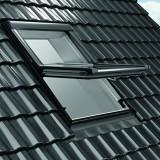 Nízkoenergetické kyvné strešné okno - Designo R6