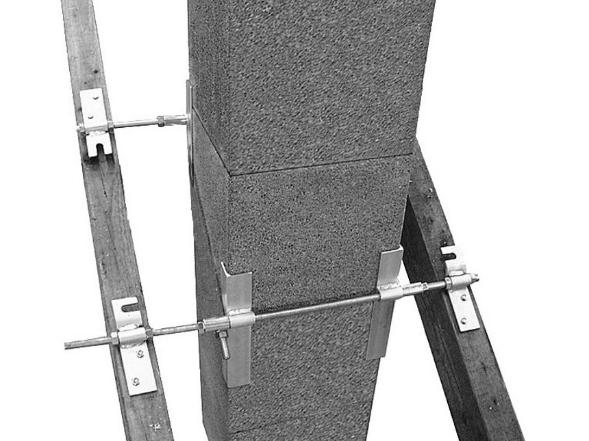 Schiedel kotviaci prvok do krovu univerzálny